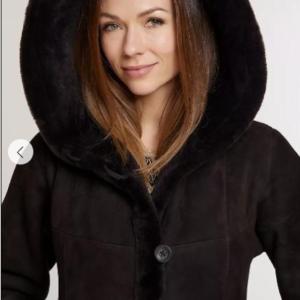Krista Hooded Spanish Merino Shearling